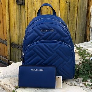 NWT Michael Kors md abbey quilted backpack&wallet